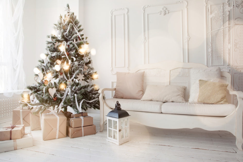 7 holiday decorating tips if your house is for sale